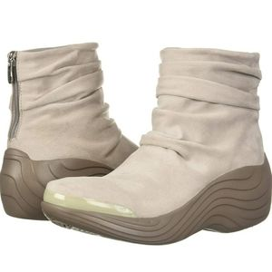 BZees Naturalizer Zizzle Ankle Slouch Booties
